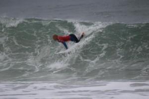 サーフィンのテイクオフ時の手の位置