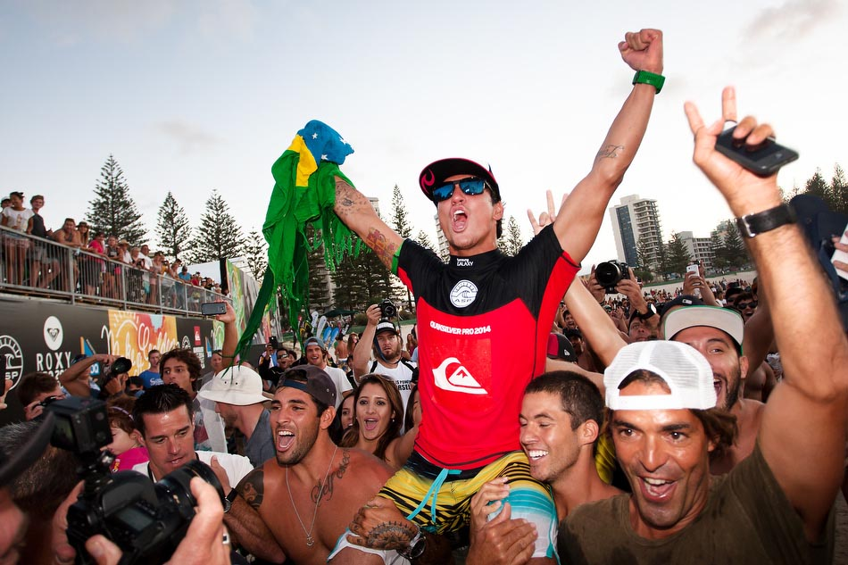 Gabriel MedinaがクイックシルバーProで優勝